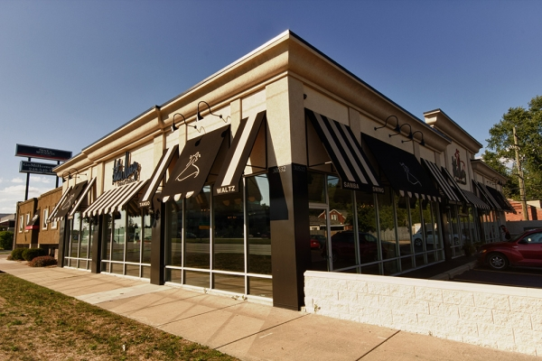 Stationary Awnings Macomb County MI - Installation & Service - ROBA - Arthur-Murry-awning-installation
