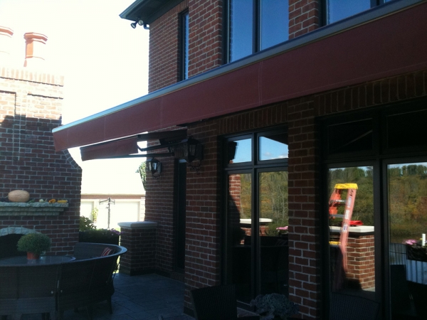 Awning Recovers Berkley MI - Installation & Service - ROBA - home-awning